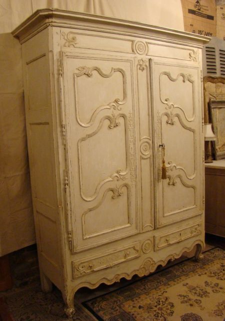 ARMOIRE LORR 1 interior design Pinterest Armoires and Interiors - Comment Decaper Un Meuble