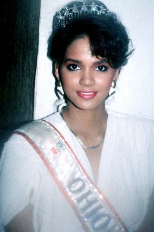 Halle Berry 1986 Miss Ohio Usa Cute Halle Berry Halle Berries