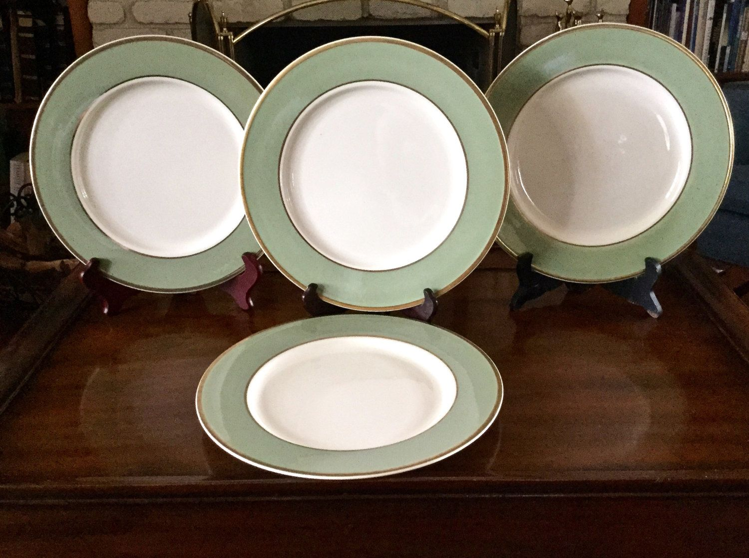 Taylor Smith Taylor Classic Heritage Celadon Green 10 1 2 Dinner Plates Set Of 4 Four Celadon Green Green Dinner Plates Taylor Smith
