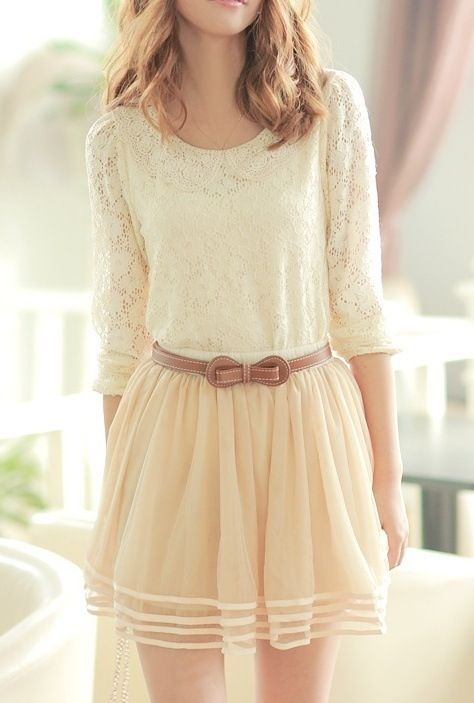I love this outfit. It seems very spring
