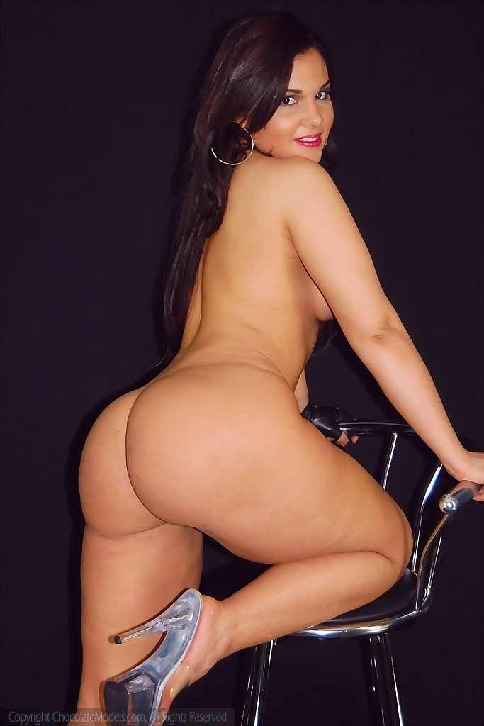 sexy naked thick thighed women