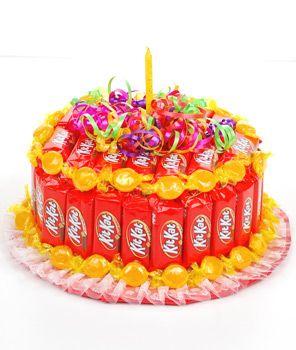 Kit Kat And Hershey Kiss Cake