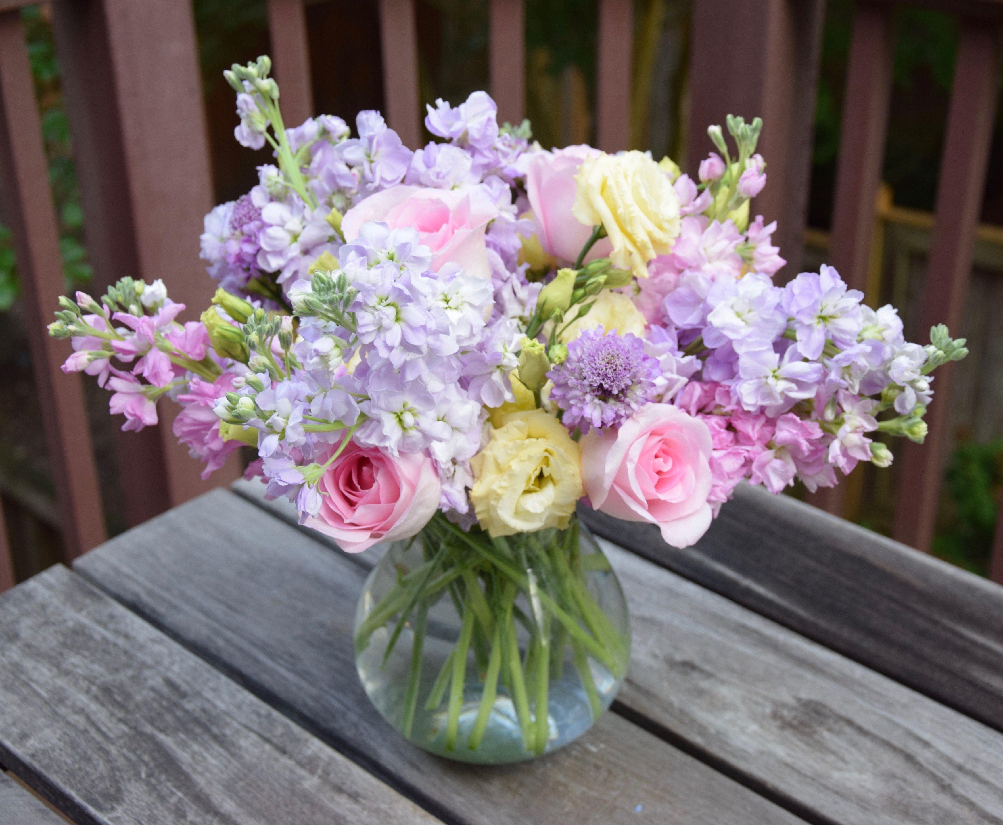 Mother S Day Flower Arrangement Fresh Flowers Arrangements Flower Arrangements Flower Delivery