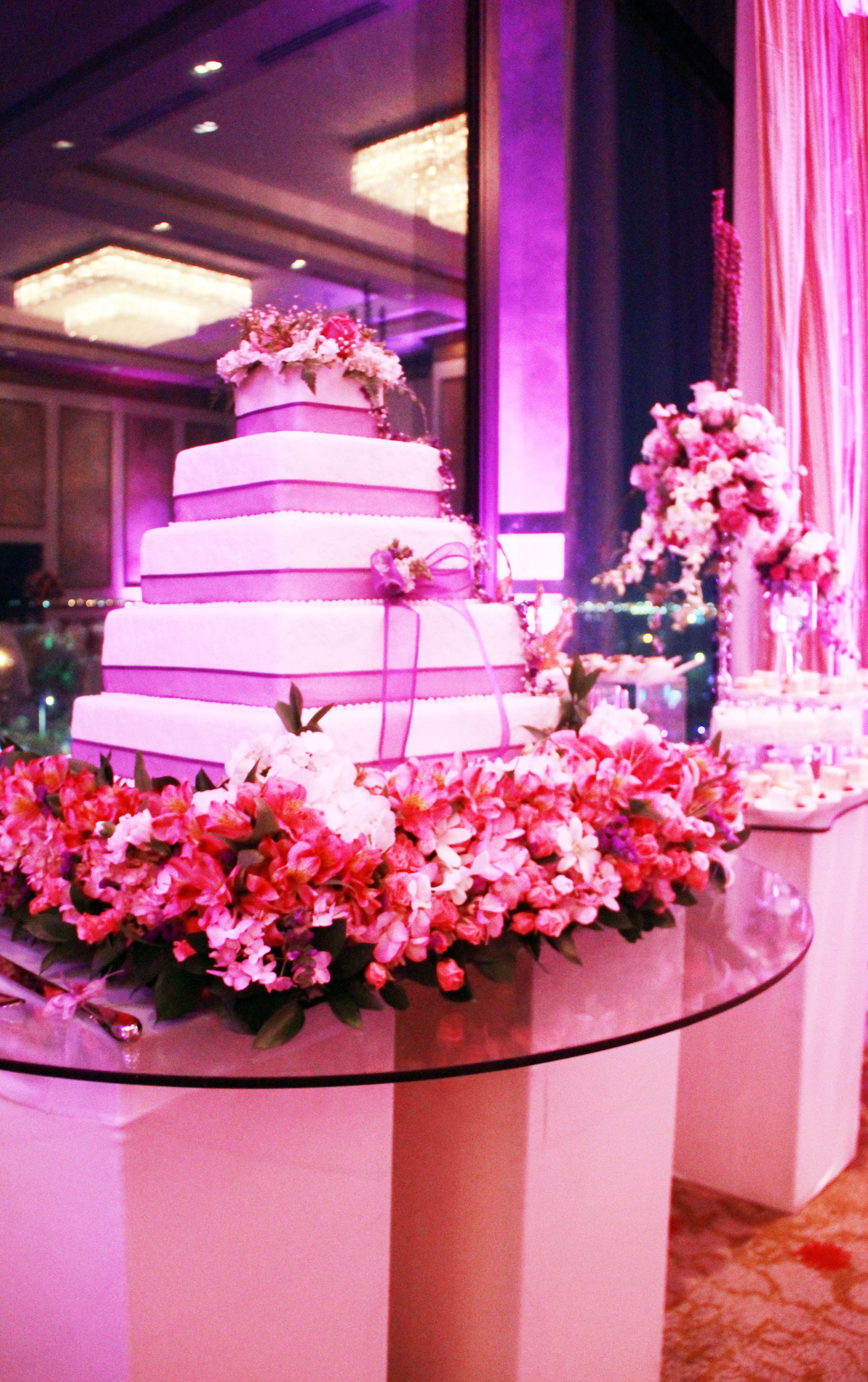 Decoración de Cake de Novia de Pastelería Athanasius by Global ...
