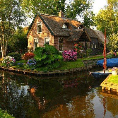 Canal cottage in Giethoorn, the Netherlands.