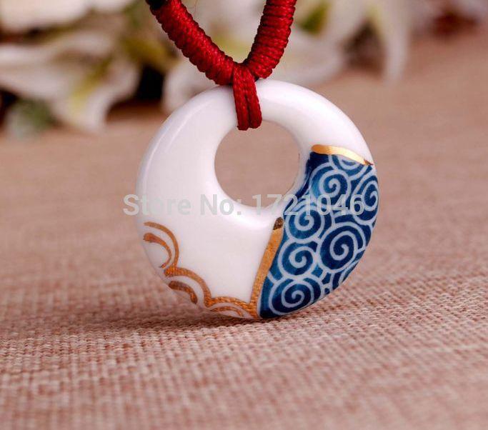Ciondoli Di Ceramica.Ciondoli Di Porcellana Dipinti A Mano Cerca Con Google
