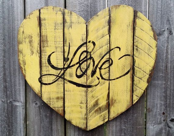 $24.95 Shabby Chic Handmade Reclaimed Pallet Wood LOVE Heart Wall ...