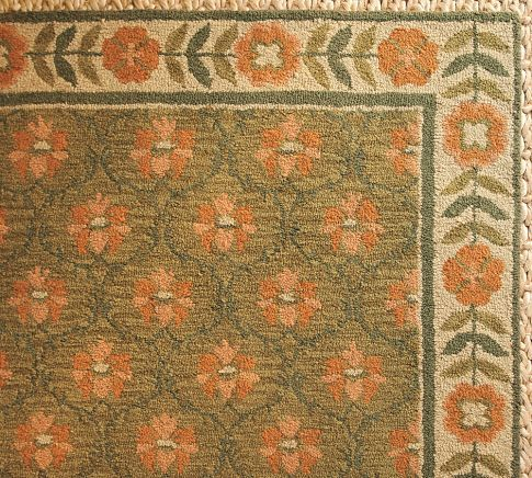Pretty rug from Pottery Barn