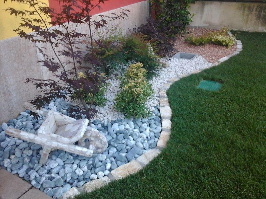 aiuole con sassi cerca con google giardino pinterest