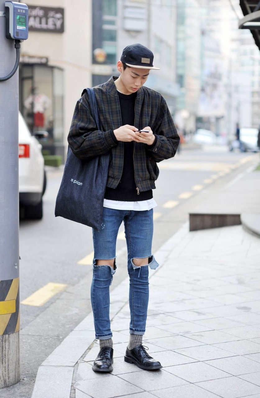 Pin by Ramiro Raya on B-Styles  Asian men fashion, Ripped jeans