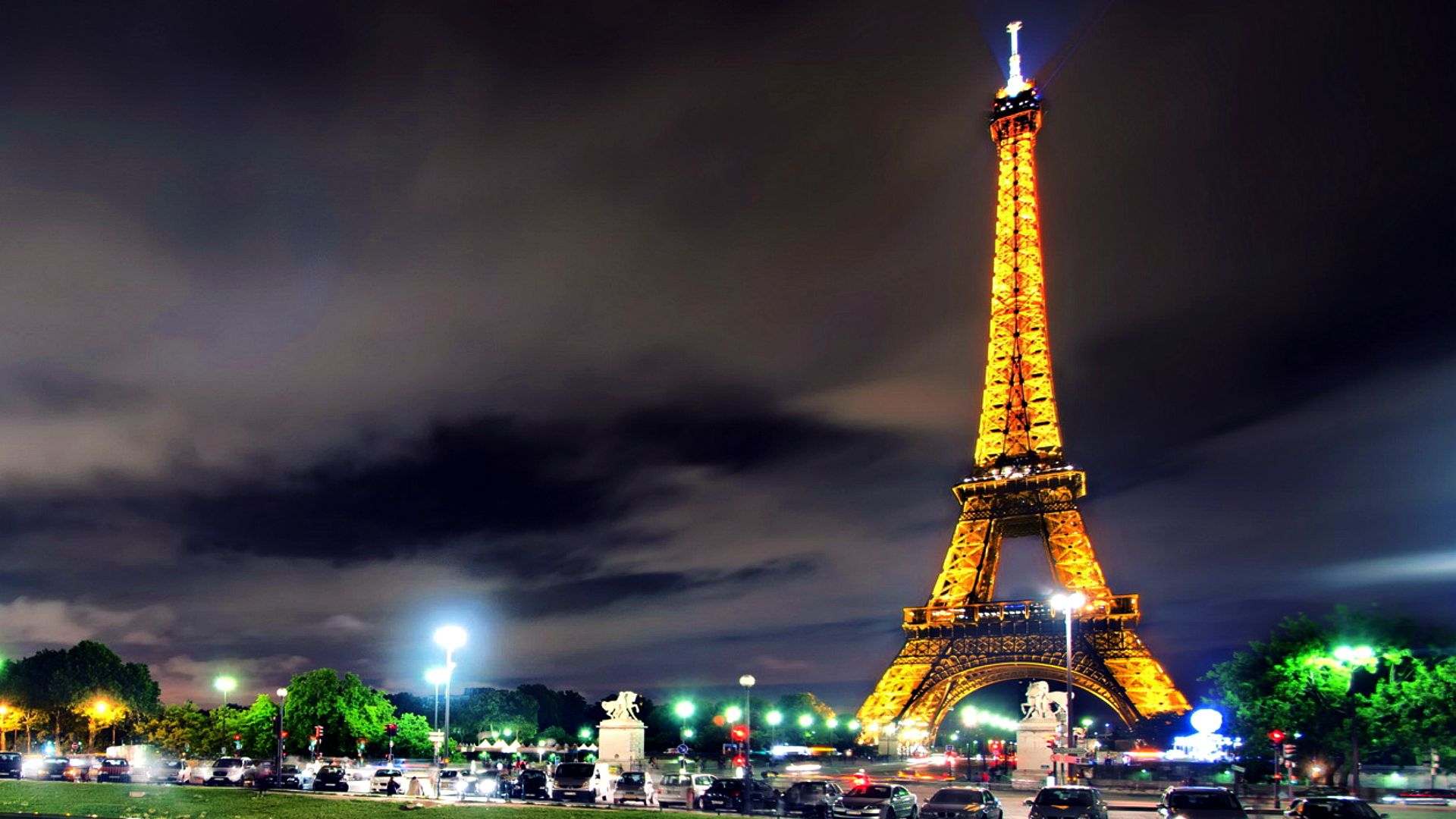 Eiffel Tower HD Wallpaper 2015