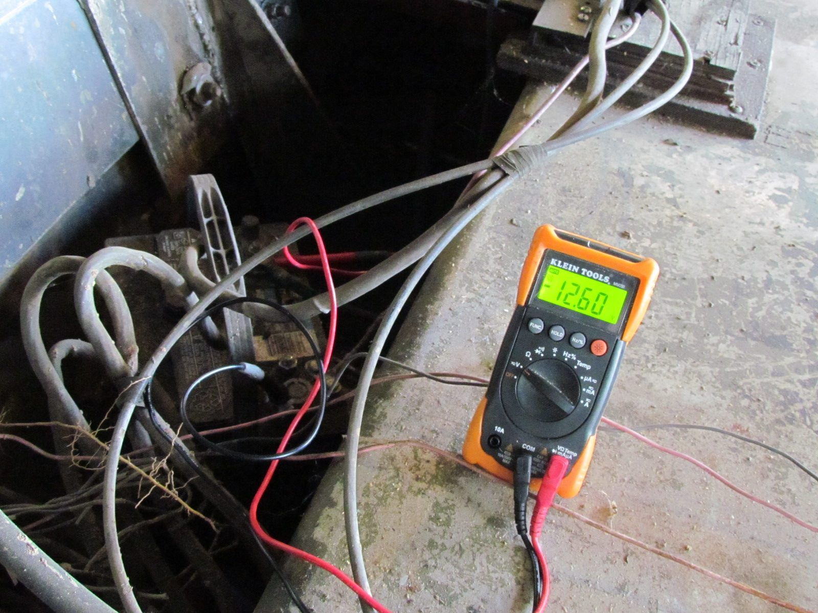 TO CHECK OUTBOARD AND AUTO CHARGING SYSTEM   Boat Outboards Charging