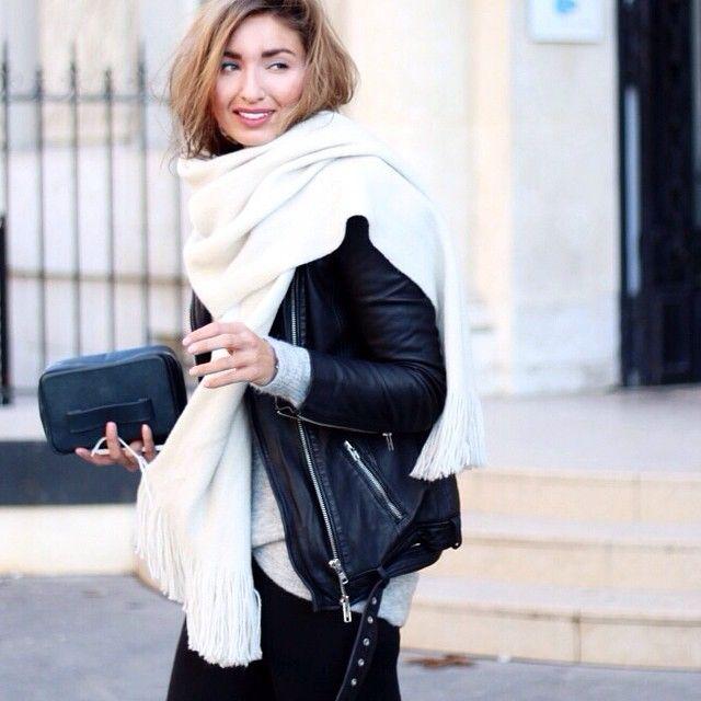 Check out the latest outfit on ANNA RIKE.COM #annarike #mobilewebsite #layering #paris #annaxrosa #whatiwear #outfit #ootd #ootdmagazine #enkaydesign #enkay #muubaa