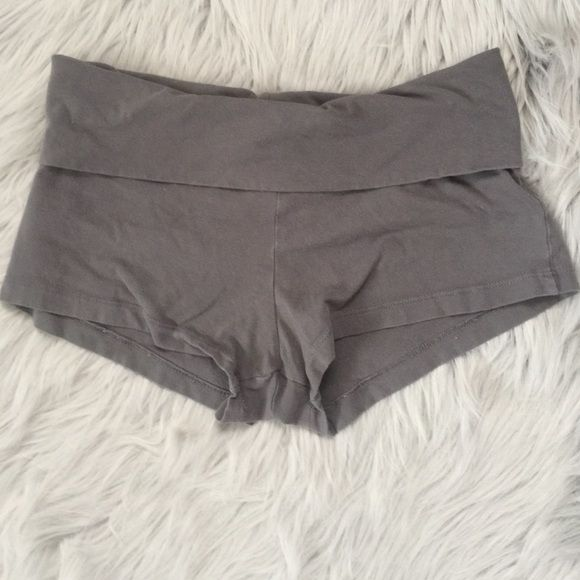 Forever 21 Sport Shorts My days of tiny little sport shorts are long gone lol these are in EUC and size M from forever 21.  Great for a quick run or just toniest around the house! Forever 21 Shorts