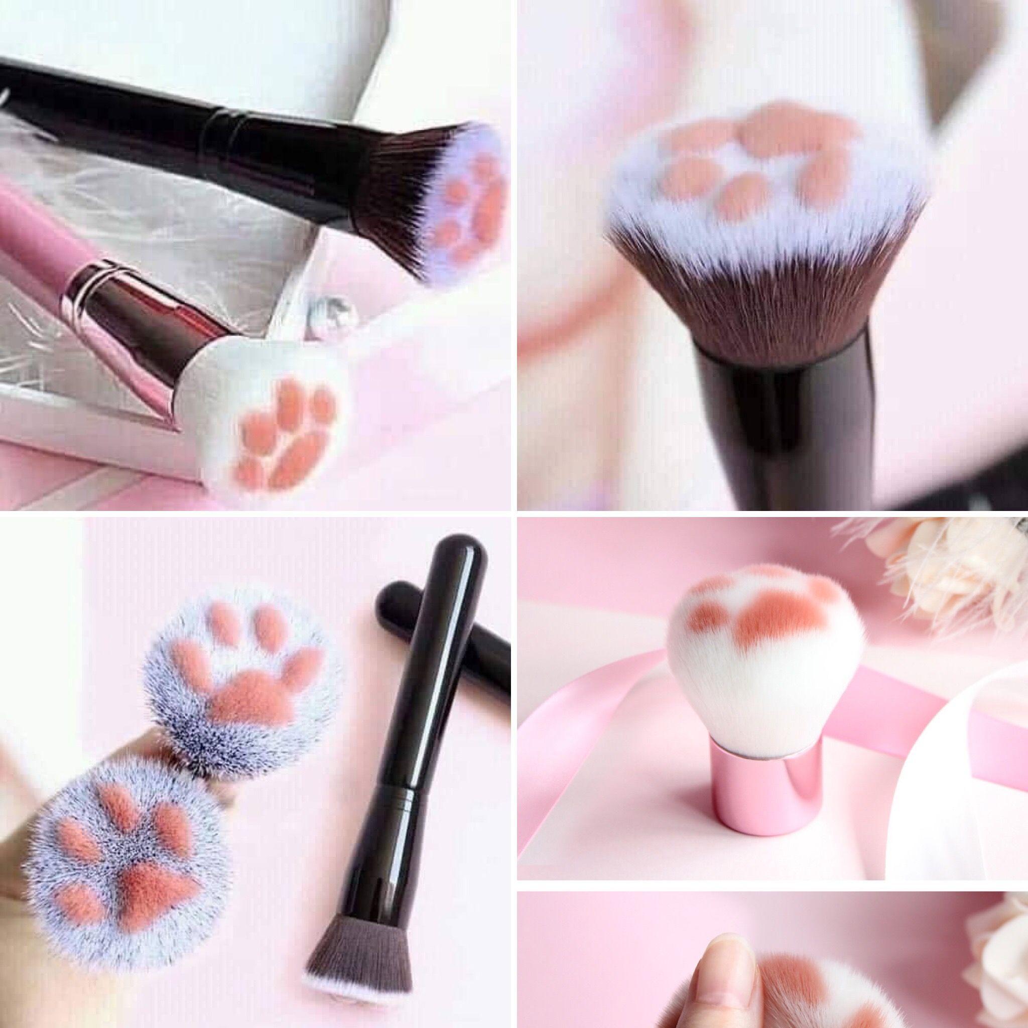 Adorable 😍😍😍 Cat Paw Makeup Brushes in 2020 Makeup