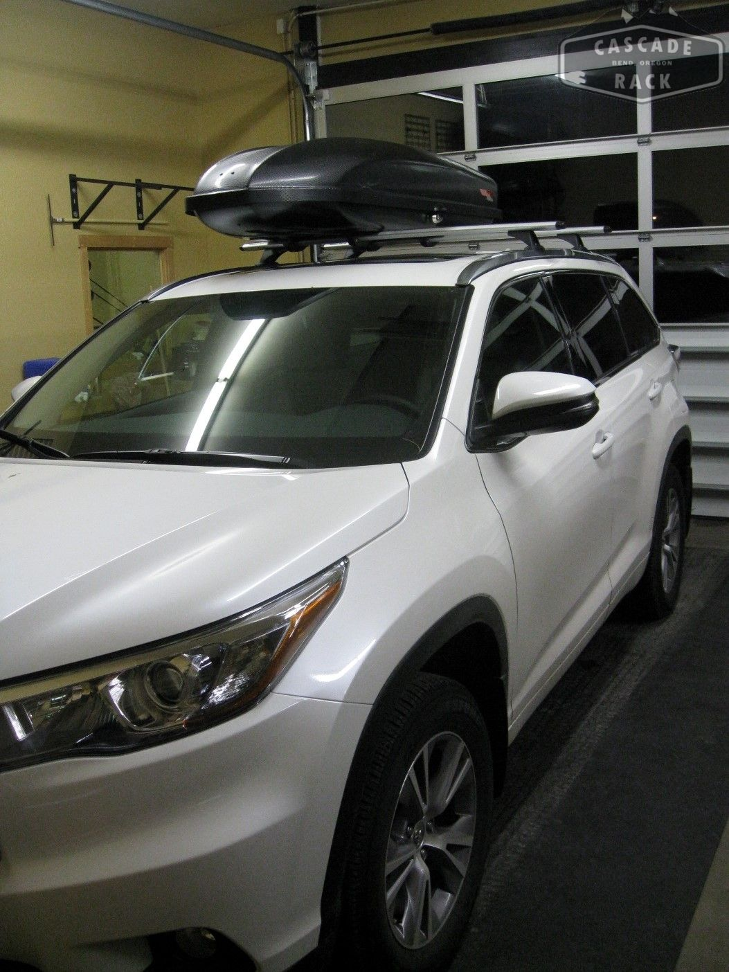 Base rack and cargo box installation 2015 toyota highlander rhino rack yakima