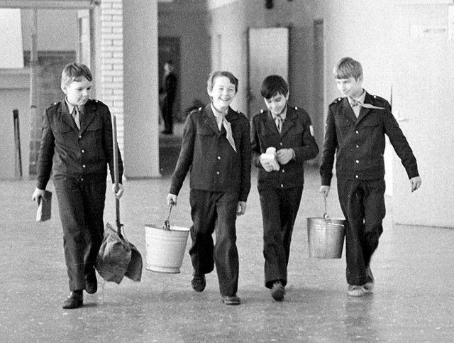 Общественная нагрузка в советской школе.Дежурство по классу