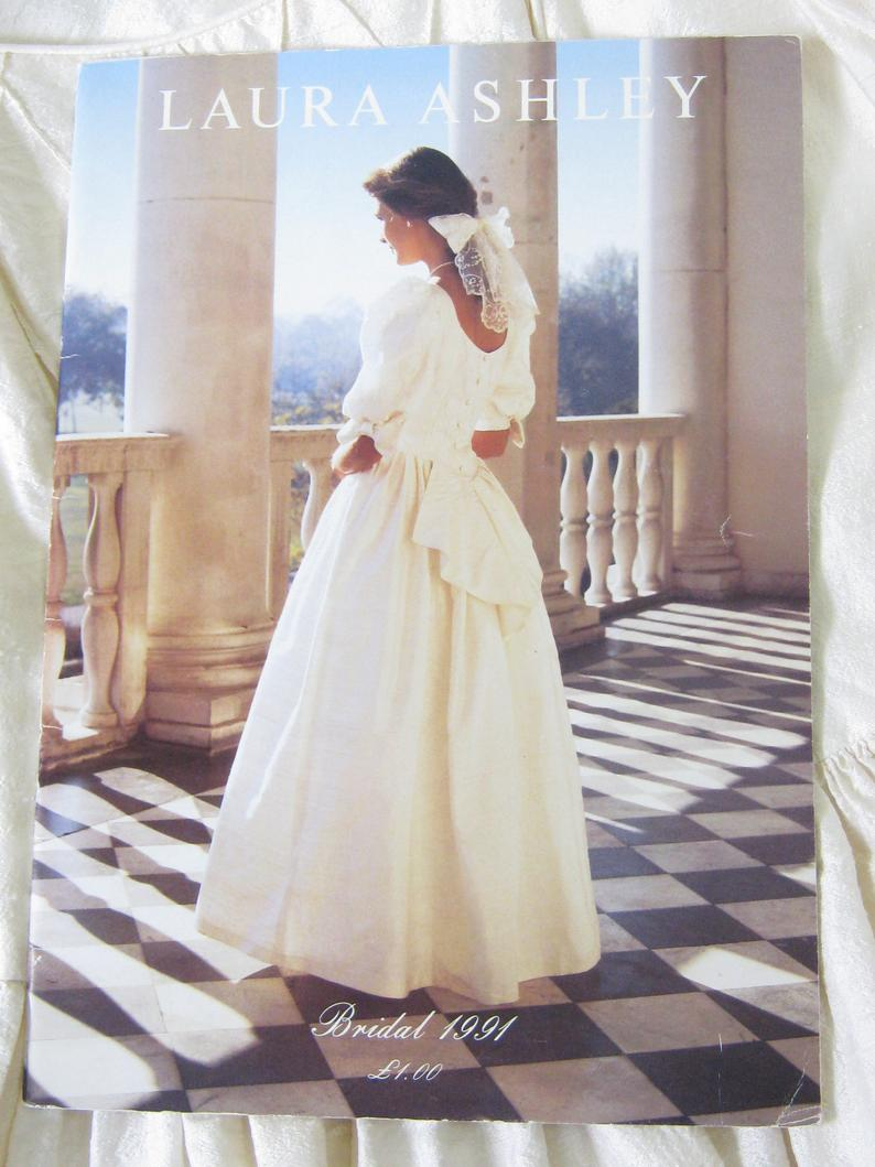 Laura Ashley Vintage Wedding dress Bridal Gown White Floral Brocade 1980s