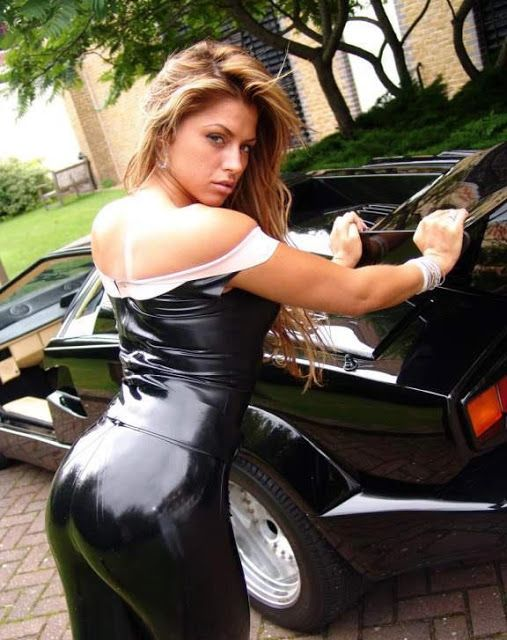 nude grils nude in cars