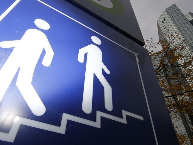 Deutsche Bank Sie nennen es Sterbehaus (mit Bildern