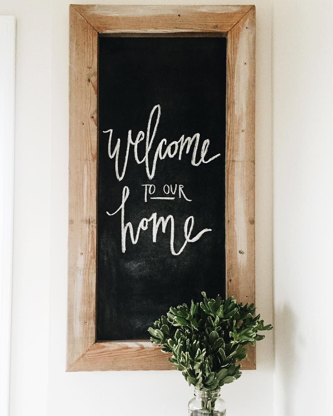 Pretty Farmhouse Chalkboard Entryway Sign Definitely Want To Do Something Like This For Our Entryway Kitchen Chalkboard Entryway Signs Chalkboard Decor