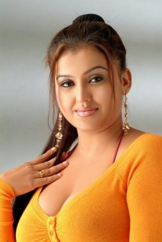 Indian actress sona hot apologise