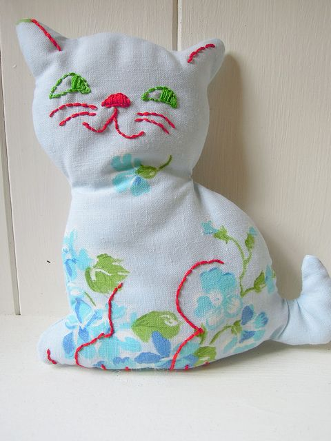 Retro Kitten/vintage sheet by RubyRed06, via Flickr