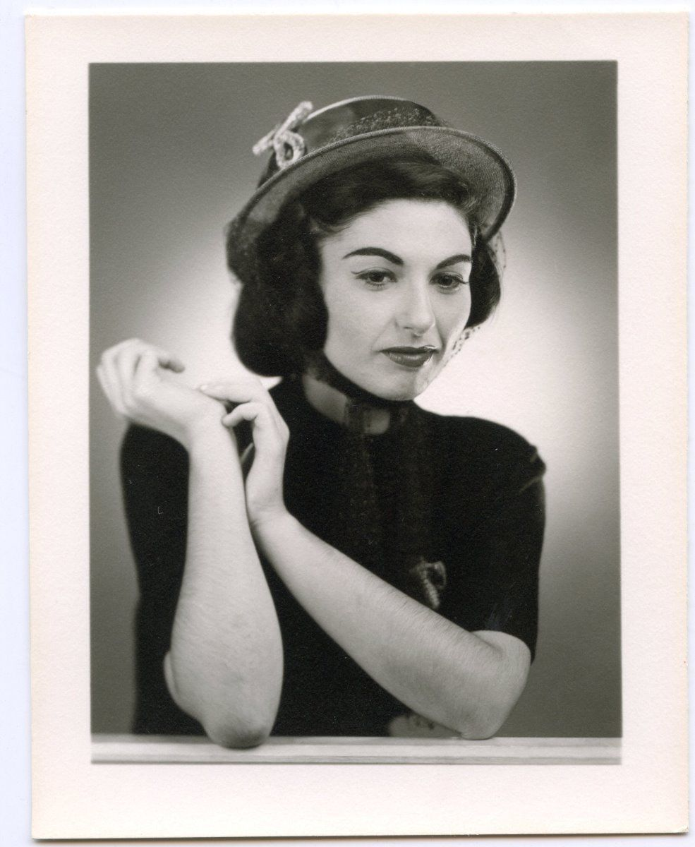 Gorgeous young woman in hat 1950s Pro Glamour Fashion photo #5257 | eBay