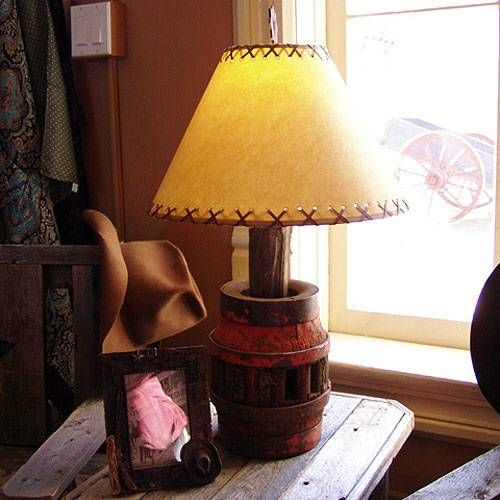 Wagon Wheel Hub Lamp
