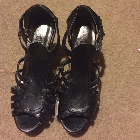 Rue 21 high heels Open toe heel super cute never worn tags still attached size large 9-10 Rue 21 Shoes Heels