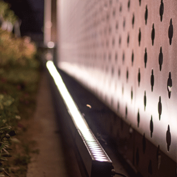 Led Wall Washer Lights For Wall Washing And Wall Grazing Of Textured Vertical Surfaces Http Wall Wash Lighting Facade Lighting Contemporary Recessed Lighting