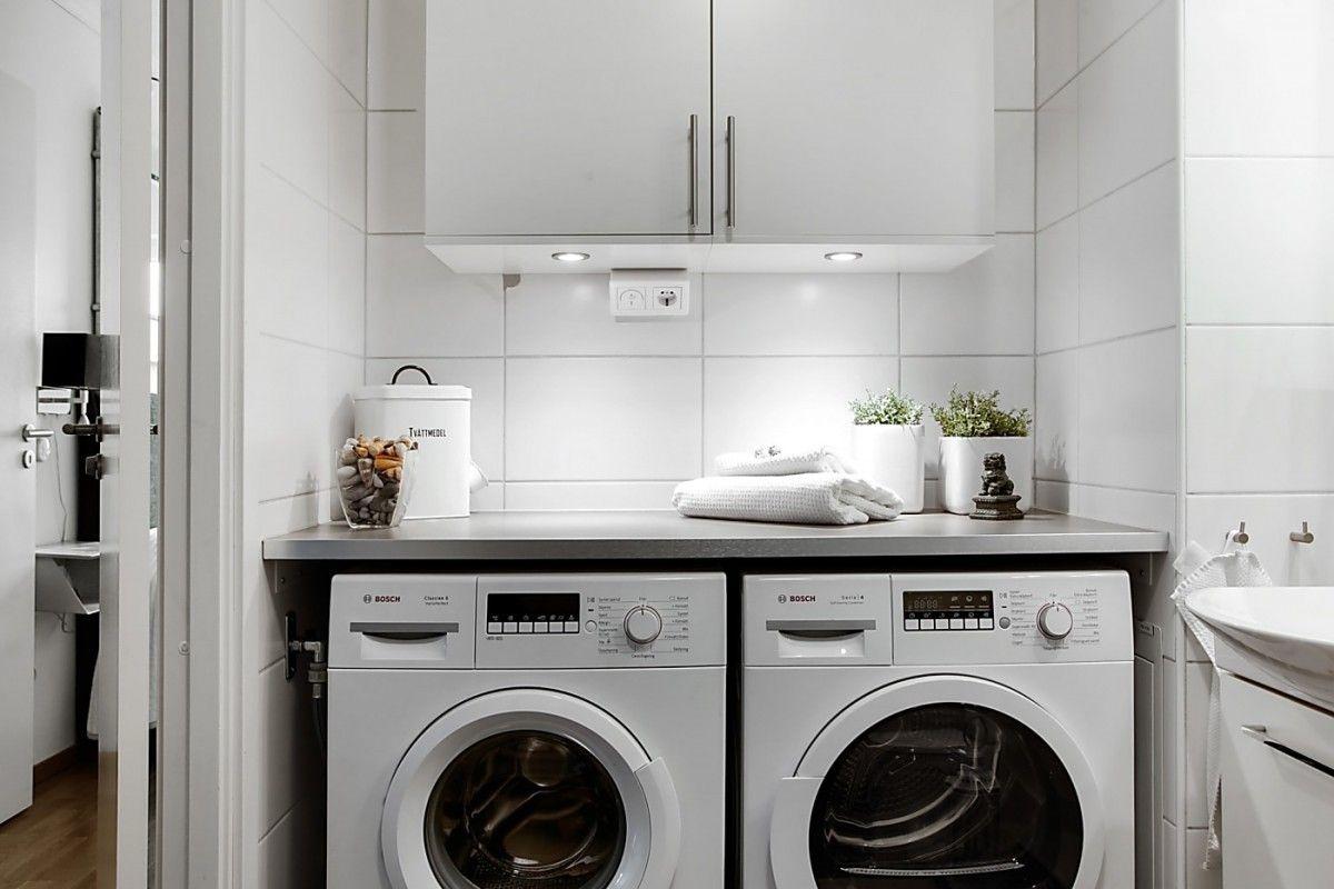 Si a la lavadora y la secadora en el cuarto de baño ...