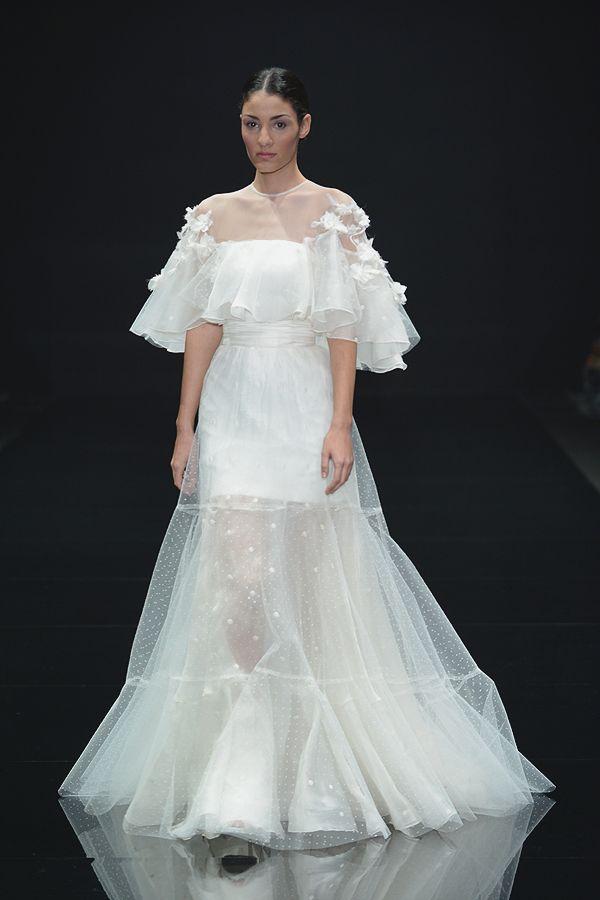 atrevido vestido cañavate novias conn transparencias y aplicaciones