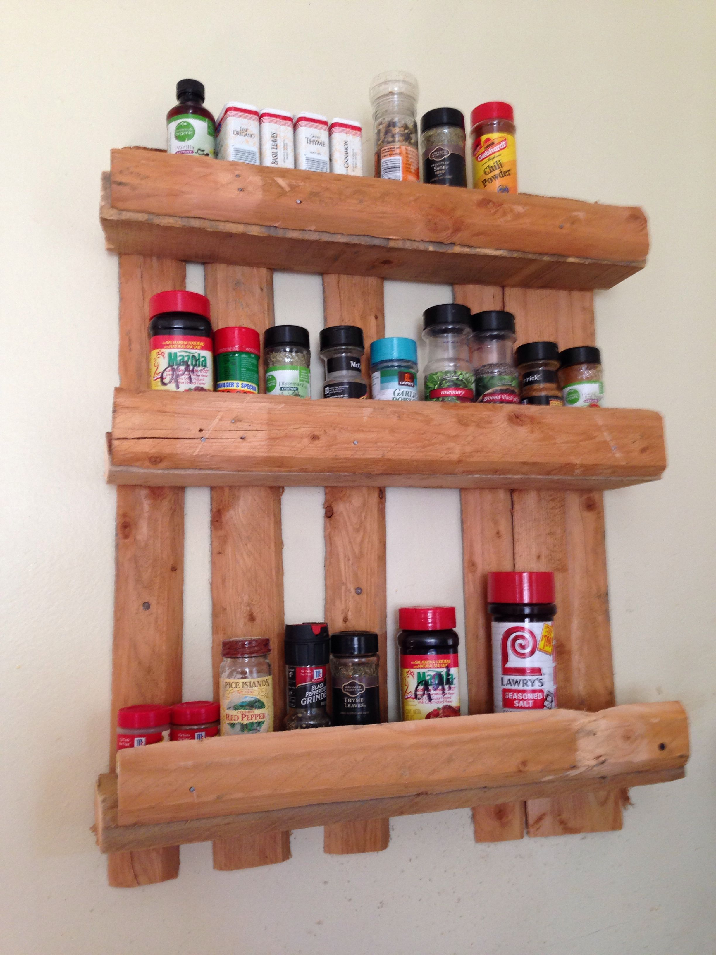 Spice shelve made out of a pallet My own DIY