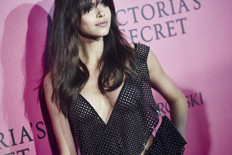 Georgia Fowler at the 2016 Victoria's Secret Fashion Show Red Carpet.