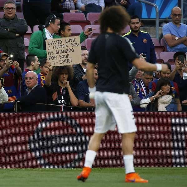 Imagem: torcedor pede camisa de David Luiz e oferece xampu