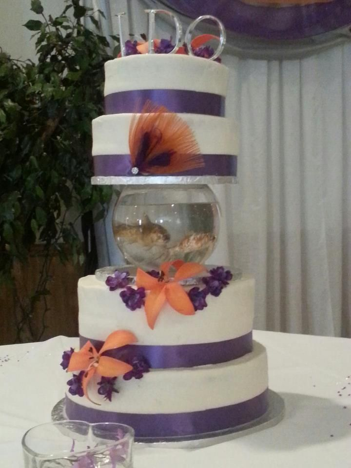 fish wedding cake ideas fish bowl wedding cake covered in buttercream cakes 14300