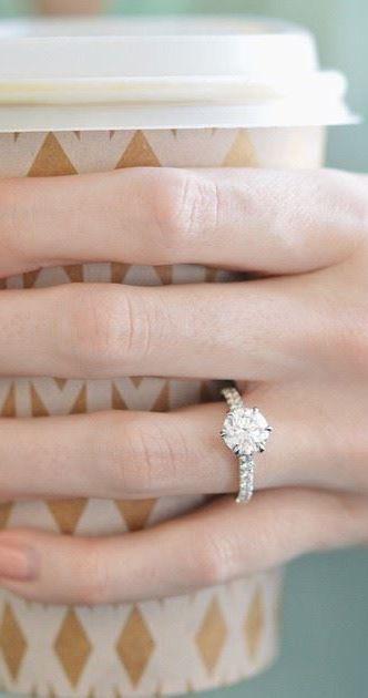 http://rubies.work/0528-sapphire-ring/ Duchess Diamond Ring, 6 prongs solitaire <3