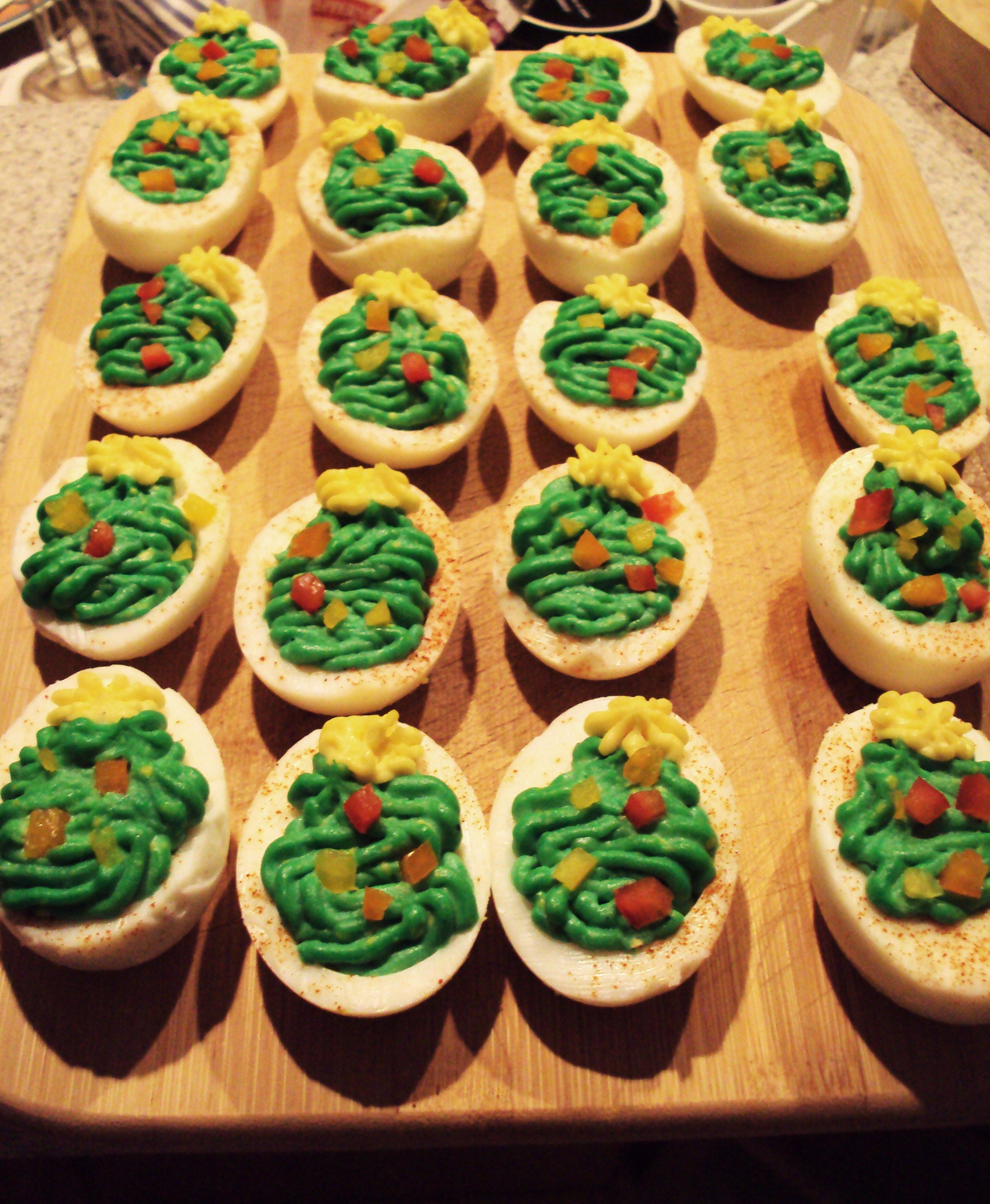 savemart holidaypinspirations christmas deviled eggs
