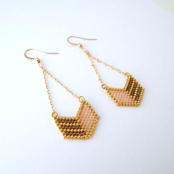 Boucles d'oreilles chevron perles Miyuki ★ or gold filled ★ rose taupe doré