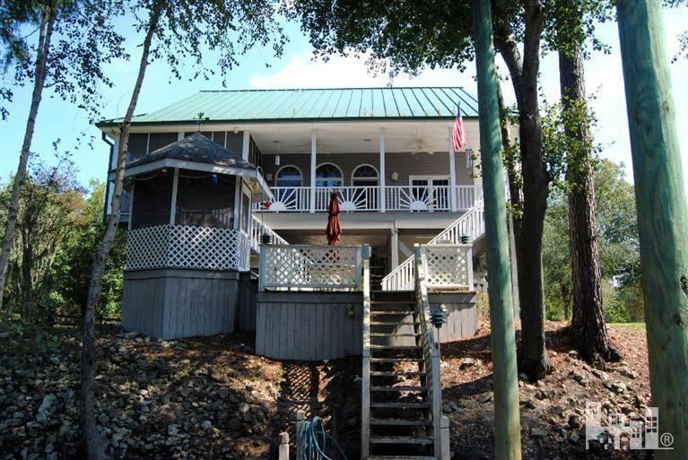 1025 Riverbend Dr, Burgaw, NC 28425. 4 bed, 3 bath, $299,900. River front, custom ...