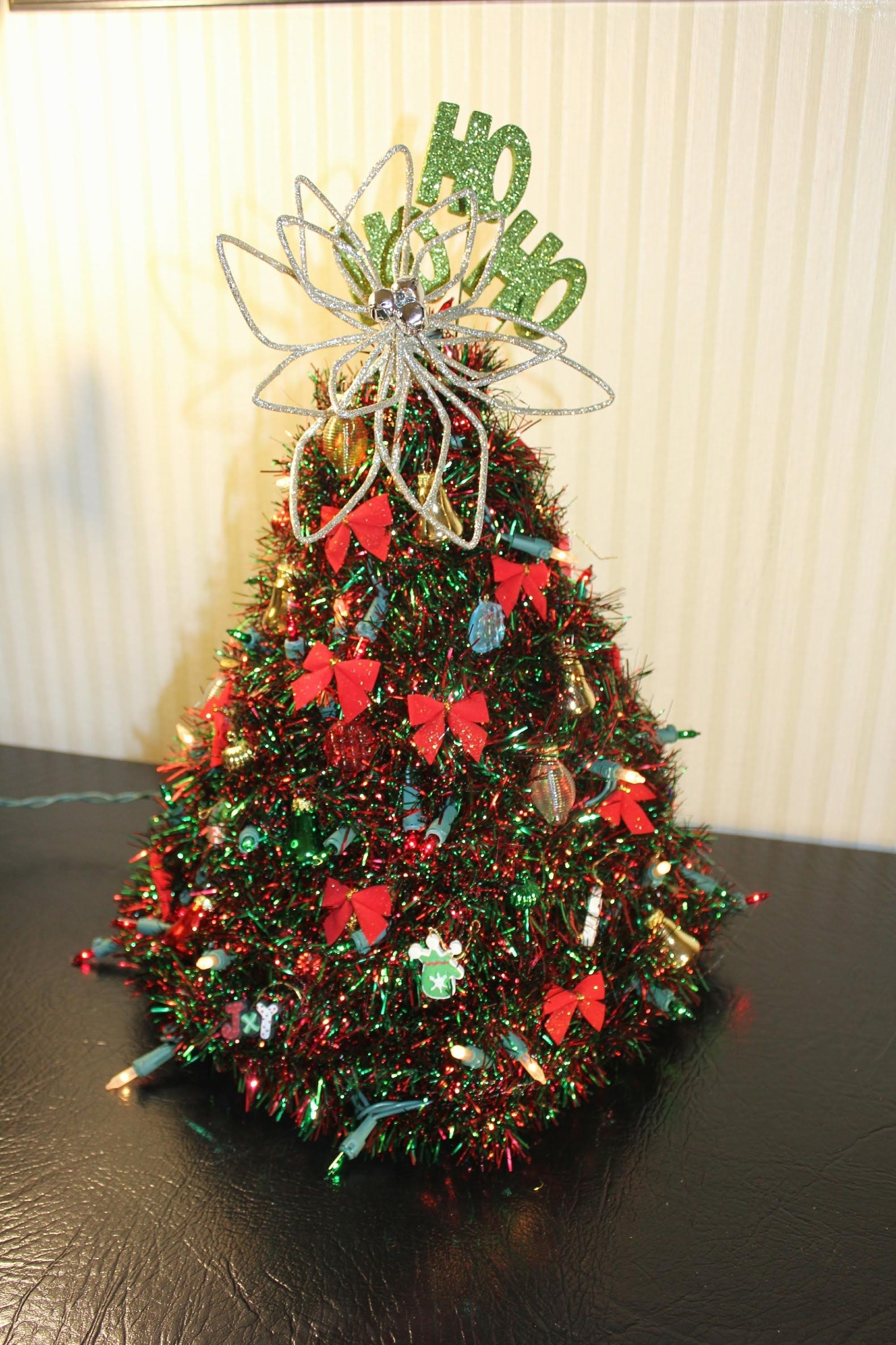 i show you how to make a fun sized christmas tree out of hangers i got to redo this video at long last my voice is still hoarse - How Long Can A Christmas Tree Last