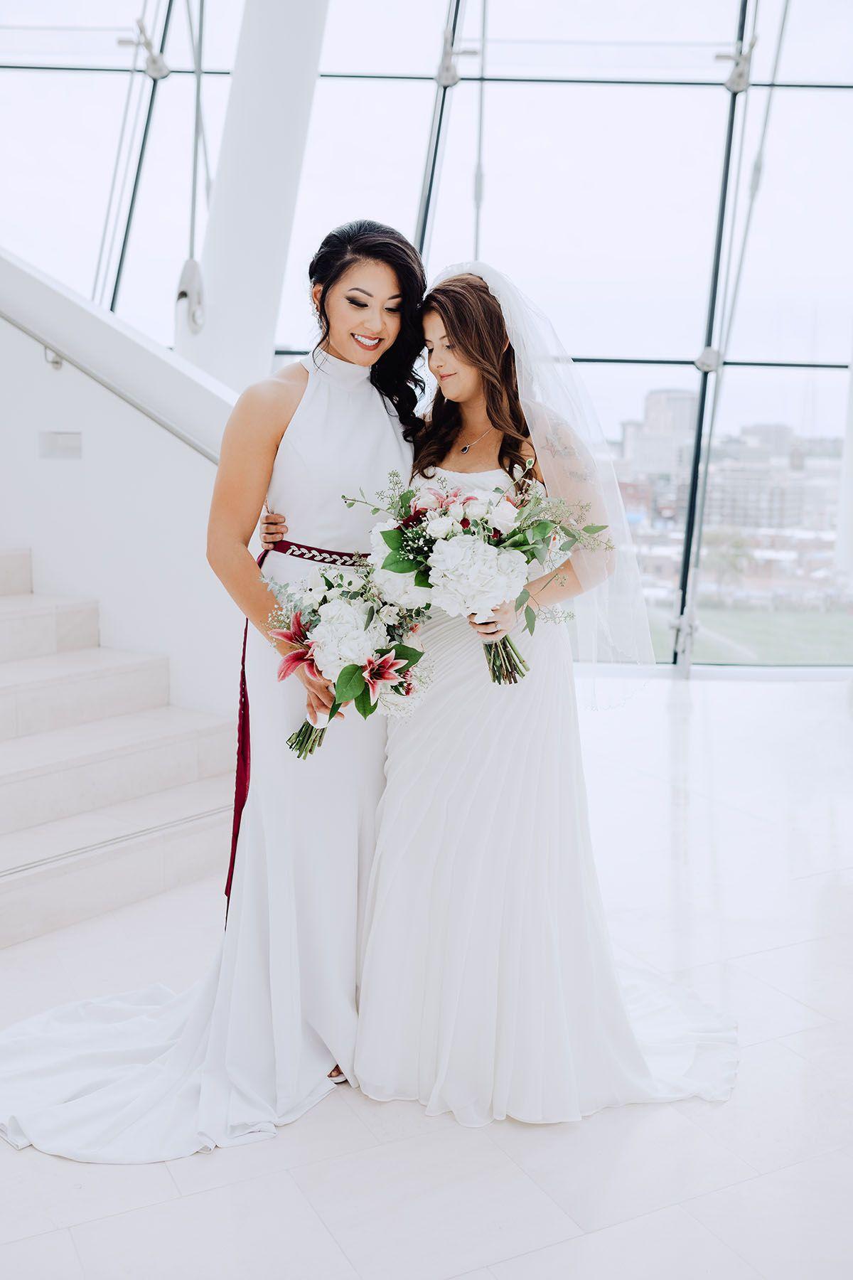 Modern Rooftop Wedding In Kansas City Missouri Lesbian Wedding