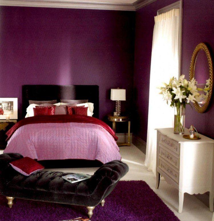 schick und edel mit Samt Polster und Violett als Wandfarbe - farben schlafzimmer feng shui