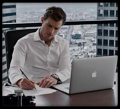 Christian At Geh Trying To Think Of What To Do With Ana For Their 1 Year Anniversary Chapter 5 Shades Of Grey Movie Fifty Shades Christian Grey