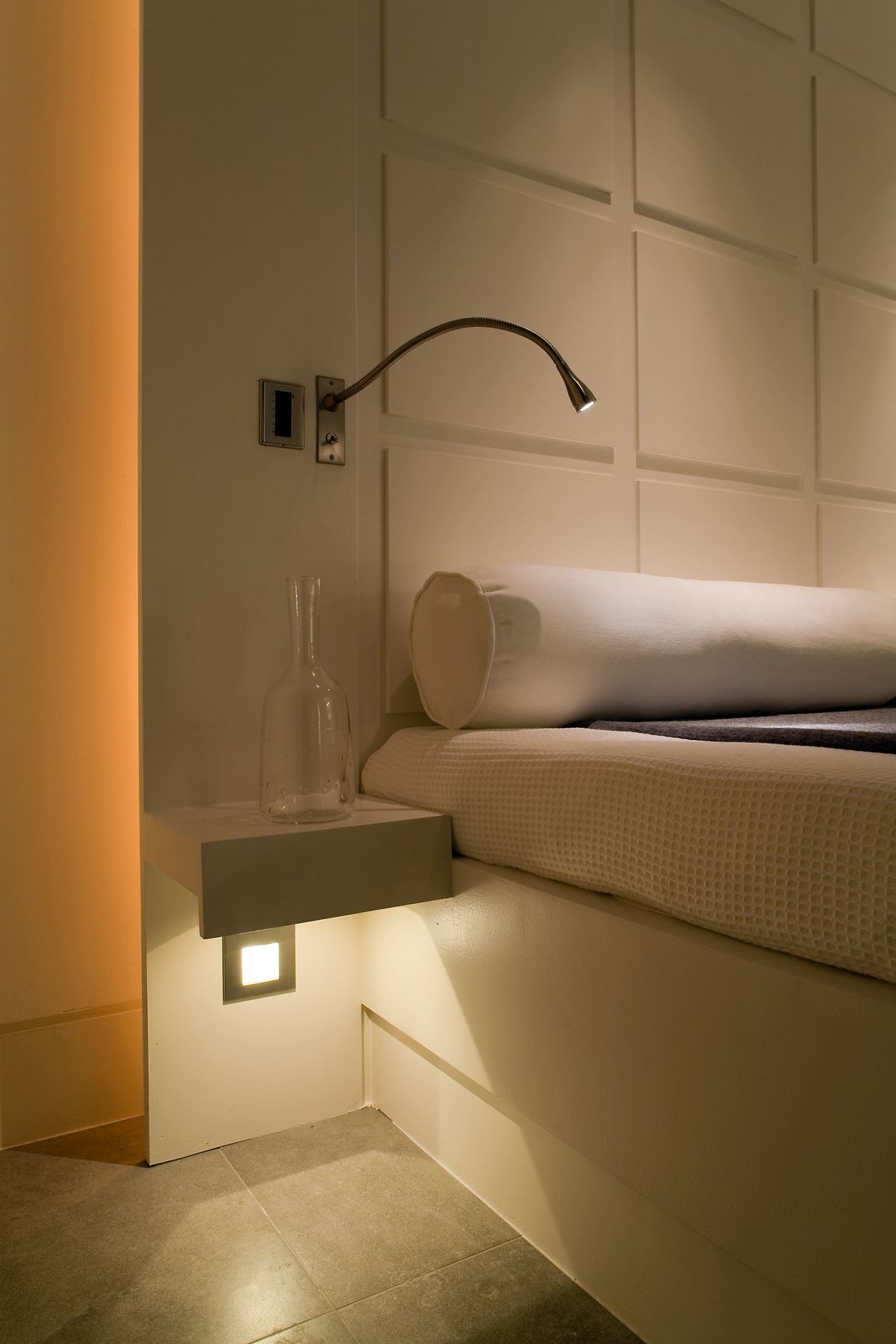 Reading Lights For Bunk Beds Lighting Design By John Cullen Lighting Bedroom