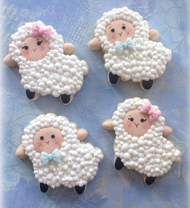 Little lamb cookies // beyond sugar