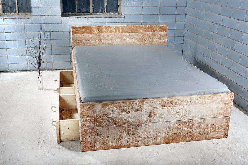 Bett mit Bettkasten im Landhaus-Stil SANNES Produkte