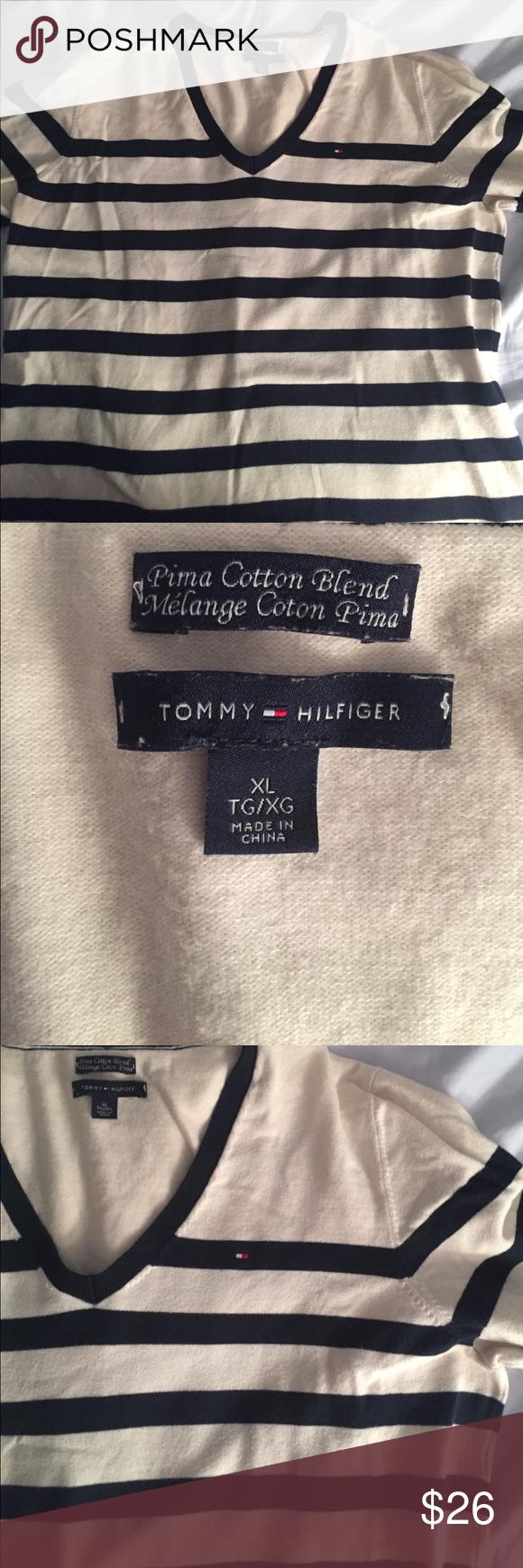 V-neck Tommy Hilfiger sweater/top Super soft, and perfect for fall! Tommy Hilfiger Sweaters V-Necks