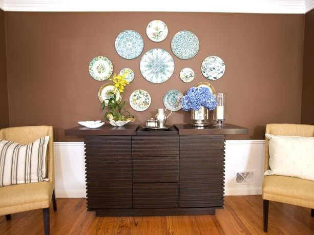 Dining Room Buffet Decorating Ideas With Decorative Round Ceramic Plates